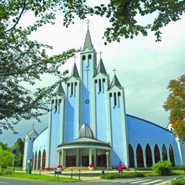 Szent lélek katolikus templom